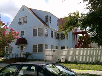 633 8th Street N Studio-3 Beds Apartment for Rent Photo Gallery 1