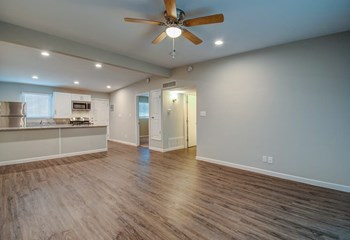 3044 Jamaica Drive 1 Bed Apartment for Rent Photo Gallery 1