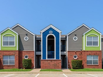 1606 East McKinney Street 1-3 Beds Apartment for Rent Photo Gallery 1