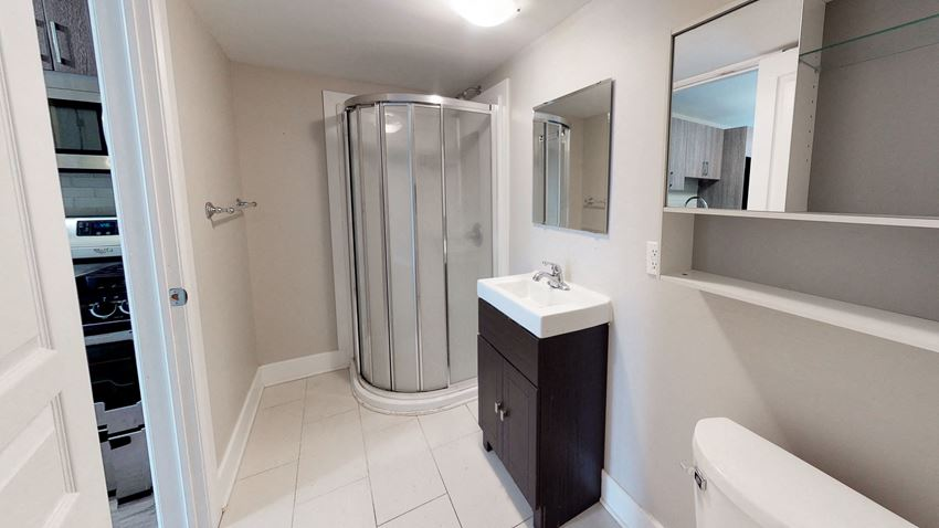 Unfurnished 3 Bedroom - 1 Bath