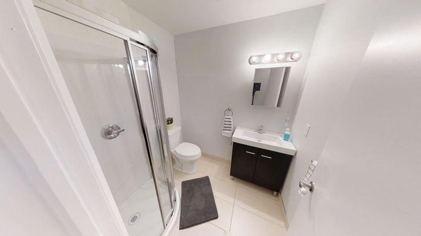 8 Bedroom - 4 Bath