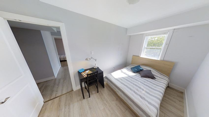 Furnished 5 Bedroom - 2 Bath