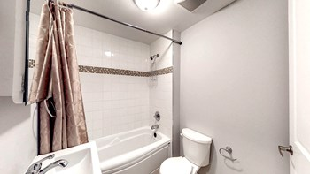 77-79 Blackburn Avenue 3 Beds Apartment for Rent Photo Gallery 1