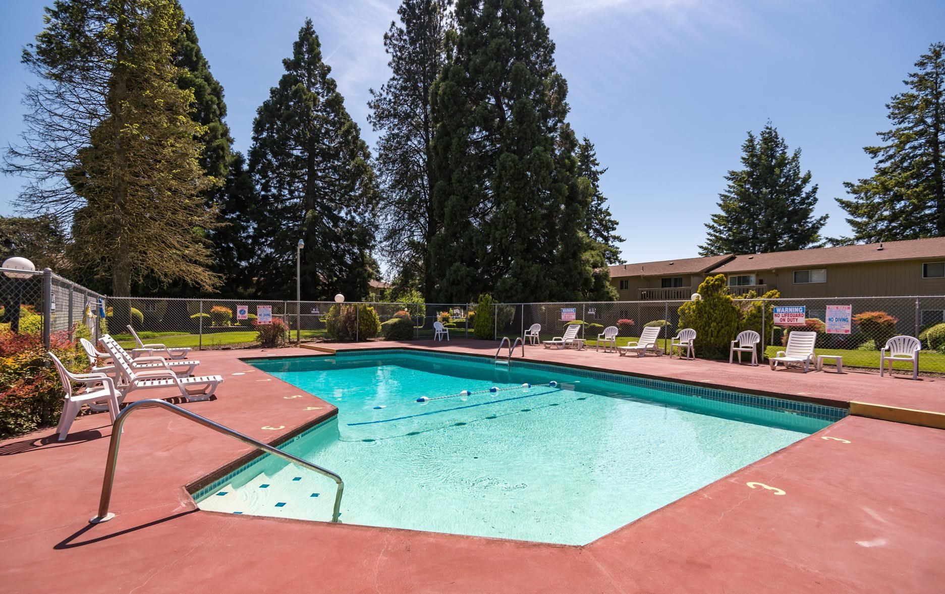 Gateway Village Apartments | Outdoor Pool