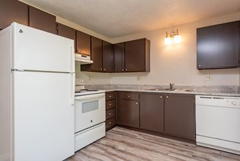 3255 Gateway St 1-2 Beds Apartment for Rent Photo Gallery 1