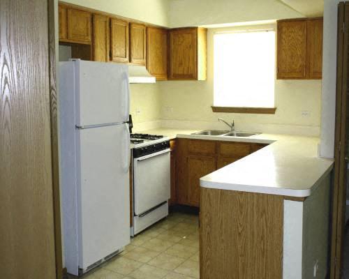 Kitchen at Fox Pointe Apartments in Aurora, IL
