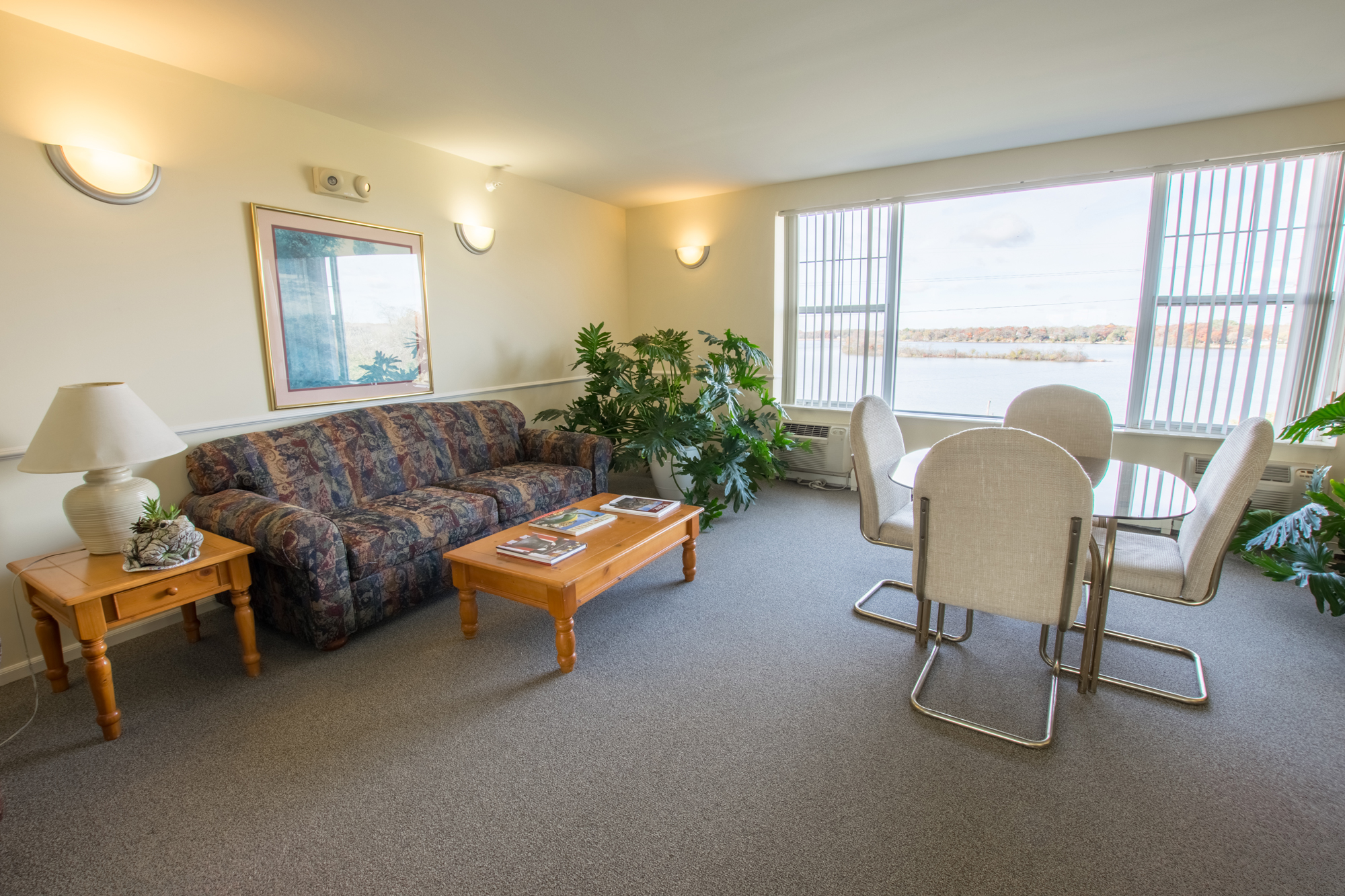 Clubroom at Lakewood Towers Senior Apartments in Lake Villa, IL