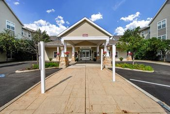 2224 Golfside Dr 1-2 Beds Apartment for Rent Photo Gallery 1