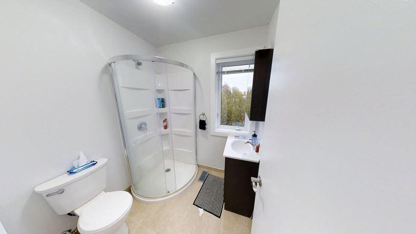 6 Bedroom - 3 Bath