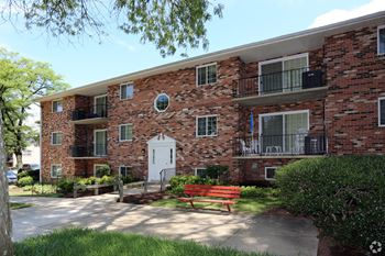 5815 Marlboro Pike 1-3 Beds Apartment for Rent Photo Gallery 1