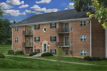 7910 Dunhill Village Circle 1 Bed Apartment for Rent Photo Gallery 1