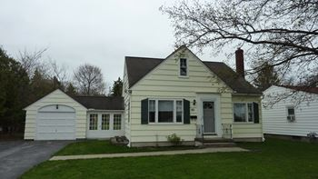 82 West Main Street 3 Beds House for Rent Photo Gallery 1