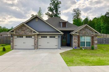 3935 Hampton Drive 3 Beds House for Rent Photo Gallery 1