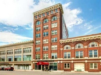 710 W. Historic Mitchell Studio-2 Beds Loft for Rent Photo Gallery 1