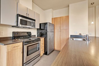 620 N 34th St Studio-2 Beds Apartment for Rent Photo Gallery 1