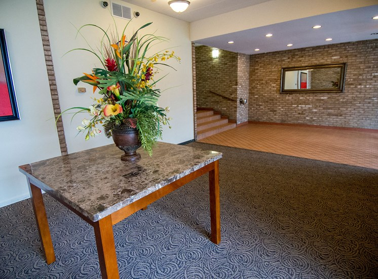 Carriage Park Apartments Garden Lobby 07