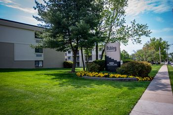 3472 Andrew Court 1-2 Beds Apartment for Rent Photo Gallery 1