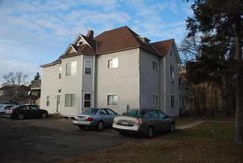 381 5th Avenue South 2-3 Beds Apartment for Rent Photo Gallery 1