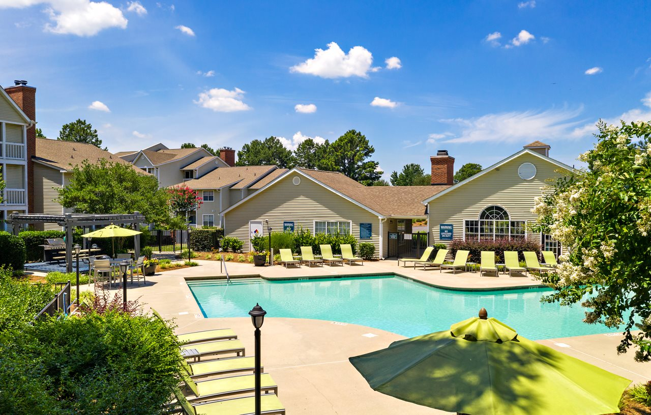 Resort Style Sparkling Swimming Pool at Avenues at Steele Creek
