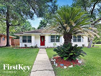 2817 Oak Drive 4 Beds House for Rent Photo Gallery 1