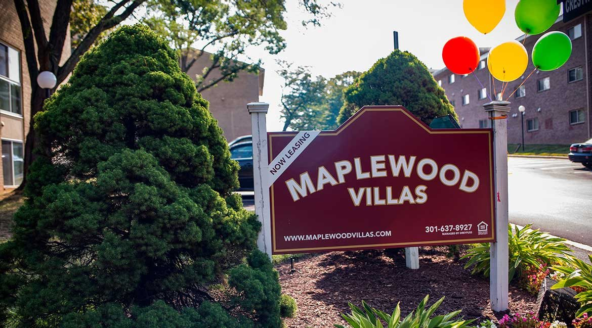 Maplewood Villas Apartments Signage