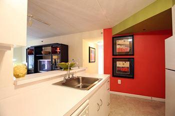 85 Orange St. Studio-2 Beds Apartment for Rent Photo Gallery 1