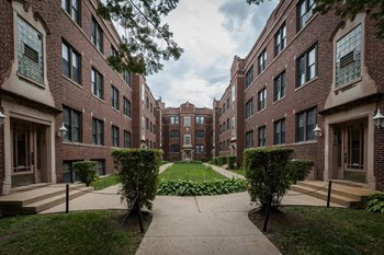 1351 W Touhy Ave 1-3 Beds Apartment for Rent Photo Gallery 1
