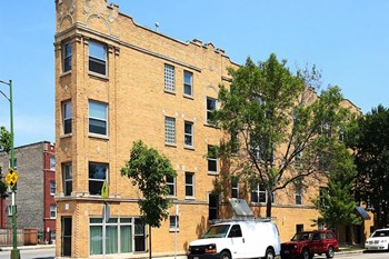 2038 W Touhy Ave Studio-3 Beds Apartment for Rent Photo Gallery 1