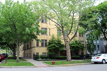 5073 N Wolcott Ave 2-3 Beds Apartment for Rent Photo Gallery 1