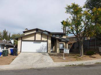 12025 ROCKRIDGE DR 3 Beds House for Rent Photo Gallery 1