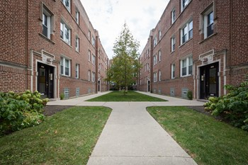1433-45 W. Lunt Ave. 1 Bed Apartment for Rent Photo Gallery 1