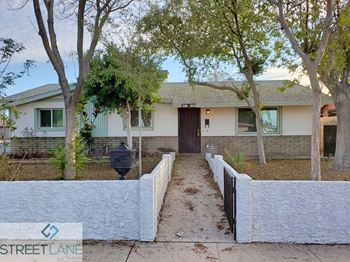 1231 W La Jolla Dr 4 Beds House for Rent Photo Gallery 1