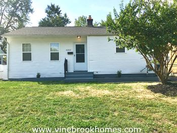 4253 Walford St 3 Beds House for Rent Photo Gallery 1
