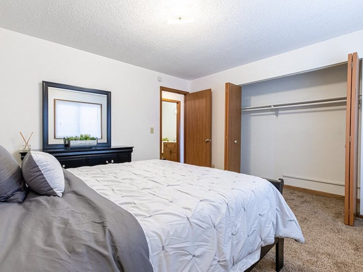 large closets in master bedroom in St Cloud MN apartments