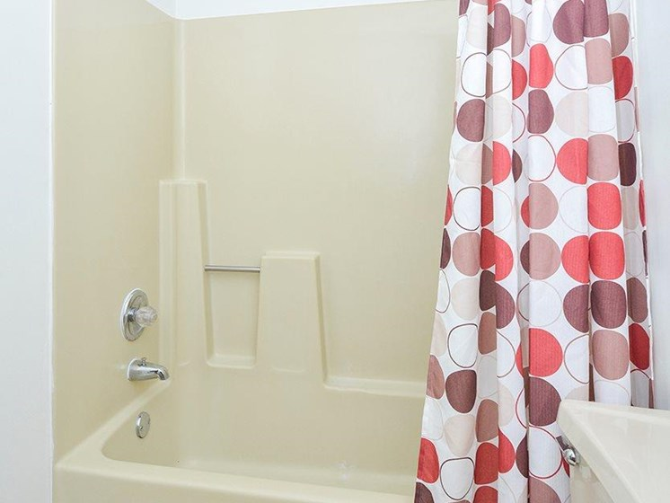 Shower at Upper Town Apartments in St. Cloud, MN.