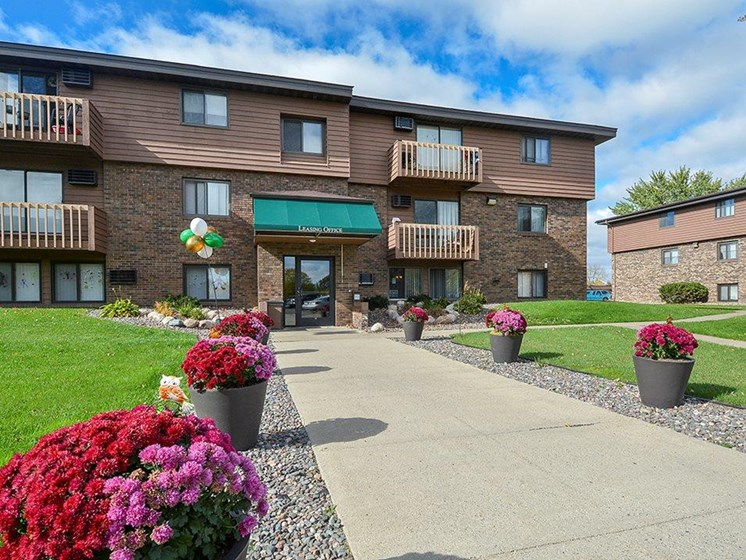 Outside of leasing office at Uppertown Apartments in Saint Cloud, MN