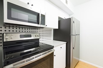301, 321, 325, & 337 W. Pasadena Ave Studio-3 Beds Apartment for Rent Photo Gallery 1