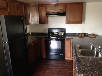 2047 West Hayward 3 Beds Apartment for Rent Photo Gallery 1