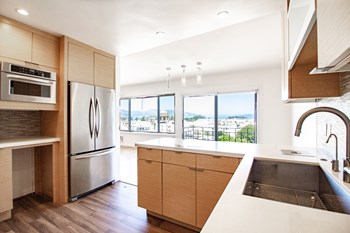 2640 Greenwich Street Studio Apartment for Rent Photo Gallery 1
