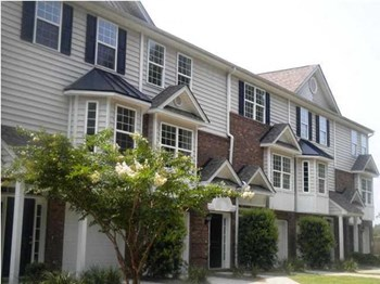 340 Archdale Blvd 3 Beds Townhouse for Rent Photo Gallery 1