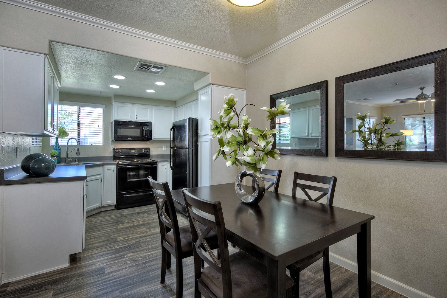 Apartments For Rent In Tempe Az Elevate At Discovery