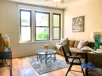 5427-29 S. University Ave. 2-3 Beds Apartment for Rent Photo Gallery 1