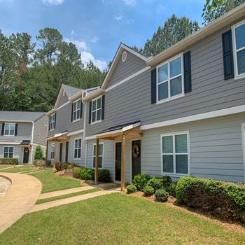 Whispering Trace Townhomes 2-3 Beds Apartment for Rent Photo Gallery 1