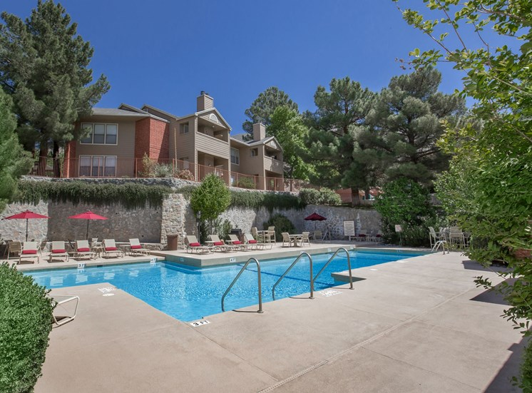 The Pointe Apartments El Paso Texas Sparkling Pool