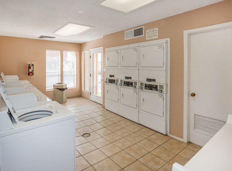 The Pointe Apartments El Paso Texas Laundry Facilities