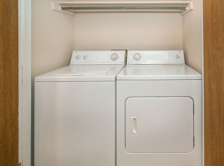 The Pointe Apartments El Paso Washer and Dryer