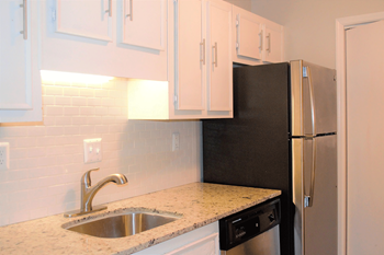 1173 N. Hairston Road 2 Beds Apartment for Rent Photo Gallery 1