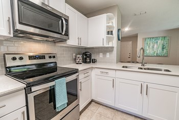 1350 Seagate Dr 1 Bed Apartment for Rent Photo Gallery 1