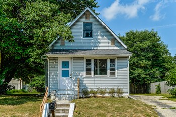 439 PINE AVE 3 Beds House for Rent Photo Gallery 1