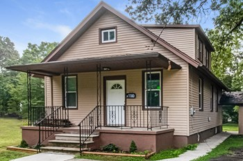 725 E LINDEN AVE 3 Beds House for Rent Photo Gallery 1
